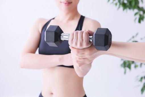 トレーニング 女性 画像